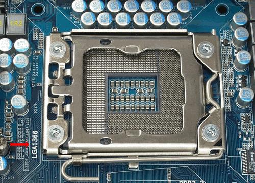 Сокет LGA 1366